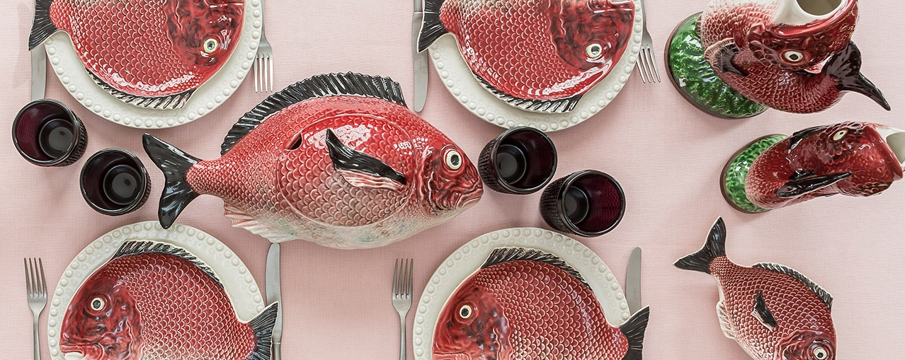Discover the Fish' collection and bring to a fun, original and very practical school of fish the table.